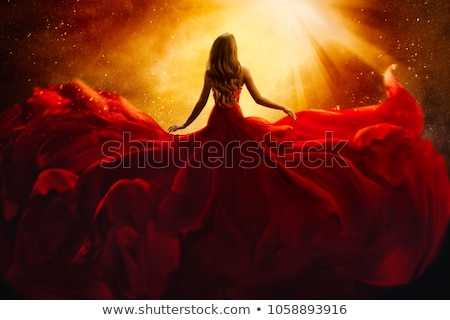 7dd415825f510b Rode · jurk · slank · brunette · Rood · naakt · meisje - stockfoto ...