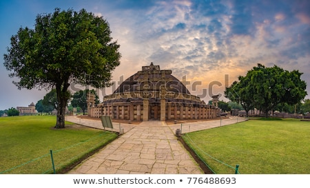 ancient stupa at sanchi madhya pradesh india stock photo © imagedb