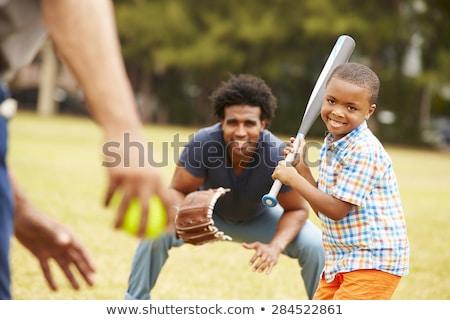 Gelukkig gezin grootvader kleinzoon jongen spelen baseball Stockfoto © diego_cervo