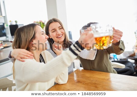 alegre · amigos · cerveza · gafas · pub - foto stock © wavebreak_media