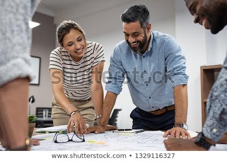 oriente · médio · homem · mulher · falante · reunião · de · negócios · comunicação - foto stock © monkey_business