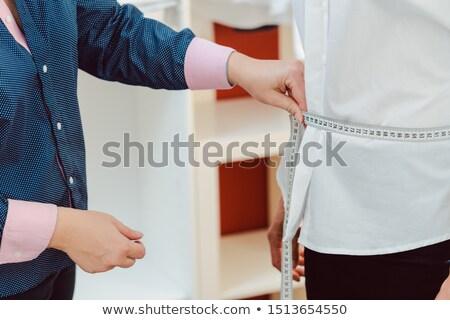 Kleermaker vrouw shirt nek Stockfoto © Kzenon