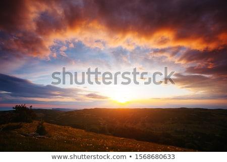 Káprázatos naplemente lenyűgöző gyönyörű nyugalmas víz Stock fotó © thisboy