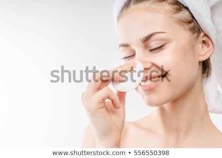 kobieta · czyszczenia · twarz · uśmiechnięty · piękna - zdjęcia stock © stryjek