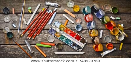 Boya sanatçı paletine sanat boya fırçası Stok fotoğraf © obscura99