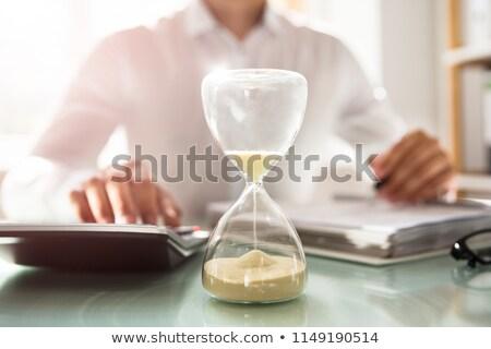 empresário · preto · relógio · prazo · de · entrega · cabeça · não - foto stock © gemphoto
