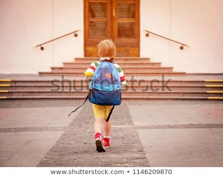 retrato · nina · escuela · bolsa · nino · fondo - foto stock © zzve