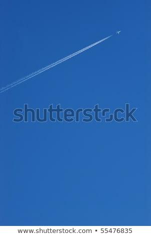jato · condensação · trilha · avião · quatro - foto stock © meinzahn