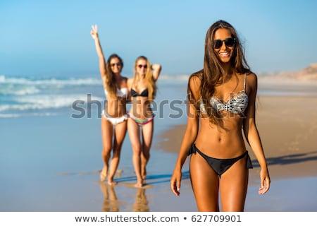 женщину · пляж · руки · вверх · рук · воздуха · глядя - Сток-фото © BrazilPhoto
