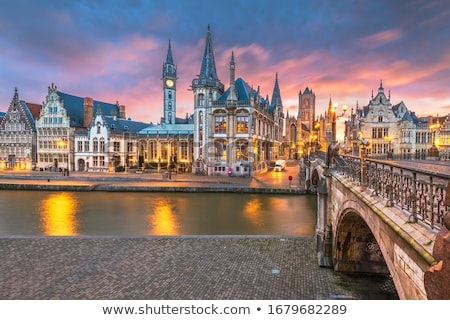 Oude binnenstad België pittoreske middeleeuwse gebouwen rivier Stockfoto © vichie81