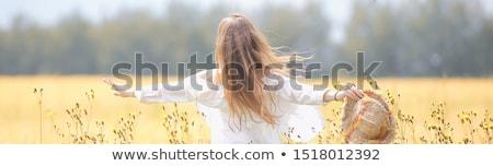 menina · grama · belo · modelo · mulher - foto stock © dash