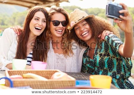 amigos · almoço · juntos · restaurante · comida · vinho - foto stock © wavebreak_media