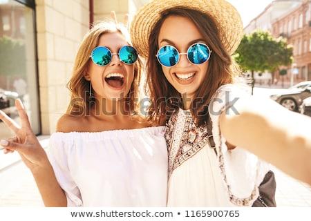 Muchacha adolescente mejor amigo retrato Pareja diversión adolescente Foto stock © IS2