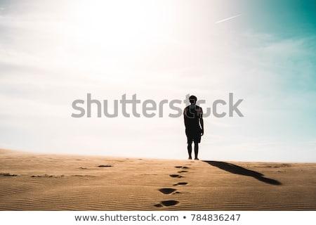 Homme perdu rouge désert Viêt-Nam coucher du soleil Photo stock © galitskaya