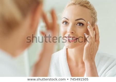 Blonde vrouw badjas vrouw haren schoonheid kamer Stockfoto © photography33