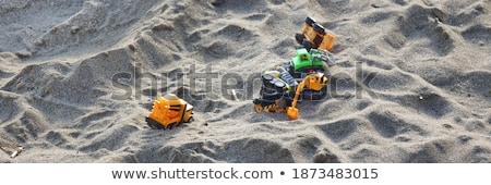 Speelgoed vrachtwagen garage zand uit bouw Stockfoto © ultrapro