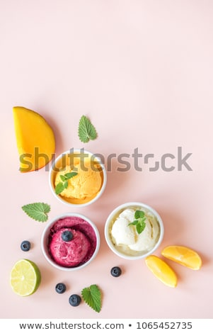 mango · sorbet · klein · schotel · houten · tafel · ijs - stockfoto © digifoodstock
