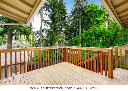 Maakt · een · reservekopie · huis · houten · dek · bruin · eenvoudige - stockfoto © iriana88w