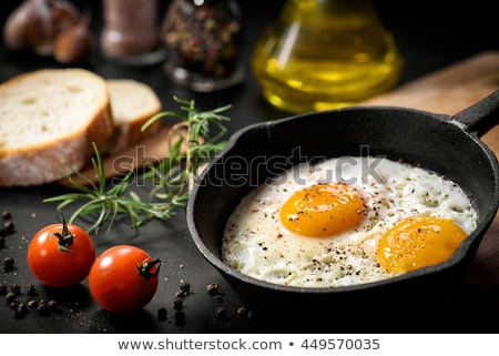 huevo · frito · pan · sartén · desayuno · blanco - foto stock © m-studio