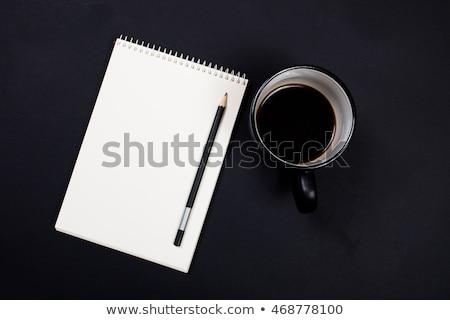 Foto stock: Blanco · papel · bloc · de · notas · taza · café · negro