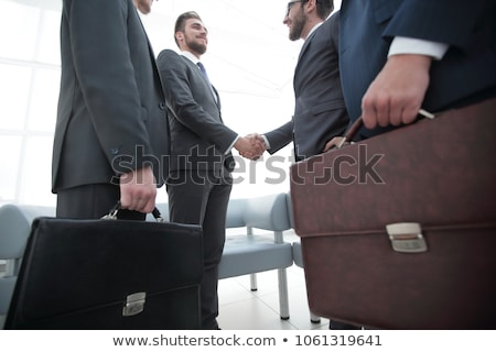 Kaukasisch zakenman aktetas jonge Stockfoto © RAStudio