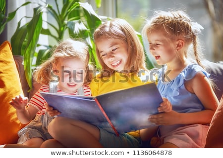 kinderen · lezing · boeken · illustratie · gelukkig · vergadering - stockfoto © colematt