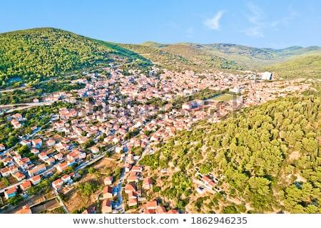 Insel Stadt grünen Landschaft Antenne Stock foto © xbrchx