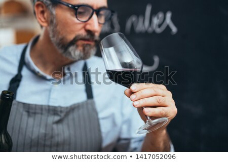 homem · degustação · vinho · tinto · masculino · vinho - foto stock © lovleah