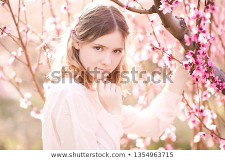 édes · szőke · nő · női · barack · bőr · elhagyatott - stock fotó © acidgrey