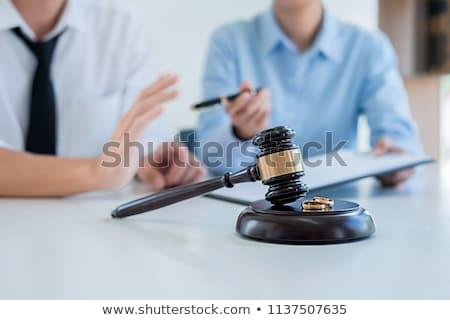 брак развод судья молоток консультация деловая женщина Сток-фото © Freedomz