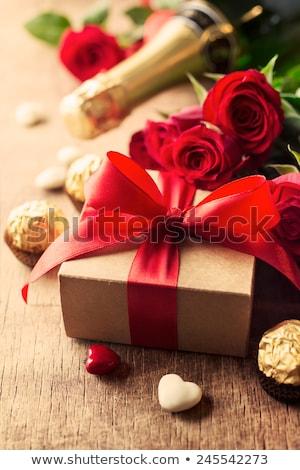 çikolata · kırmızı · gül · kalp · şekli · kâğıt · düğün - stok fotoğraf © wavebreak_media