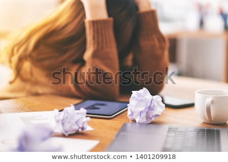 Kadın kâğıt hüsran görmek işkadını Stok fotoğraf © AndreyPopov