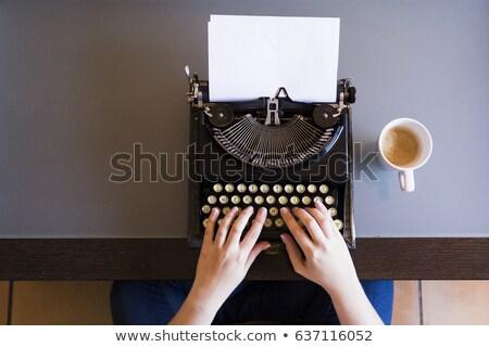 oldalnézet · nő · kávézó · napló · piros · kalap - stock fotó © deandrobot