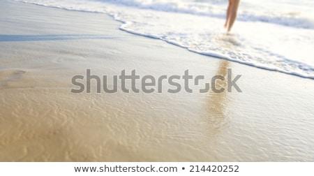 australiano · mulher · caminhada · belo · praia · um - foto stock © lovleah
