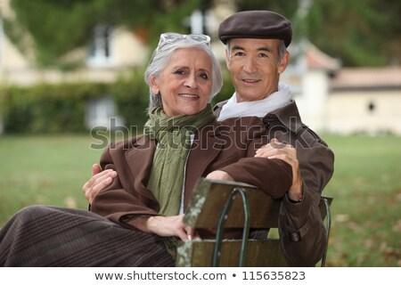romántica · ancianos · Pareja · sesión · junto · banco - foto stock © photography33