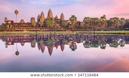 Angkor Wat reflexão principal edifício ruínas Camboja Foto stock © shortnstocky