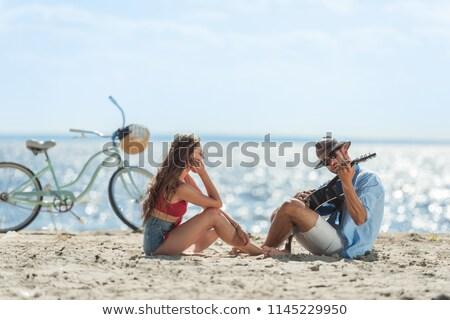 男性 · ミュージシャン · ギター · 海岸 · フリーランス · 歌手 - ストックフォト © Kor