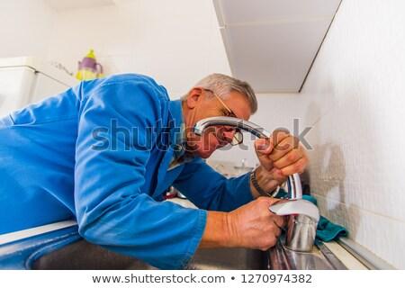 férfi · csavarhúzó · javítás · mikró · boldog · konyha - stock fotó © wavebreak_media