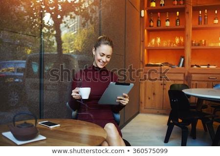 femme · potable · café · jeune · femme - photo stock © wavebreak_media