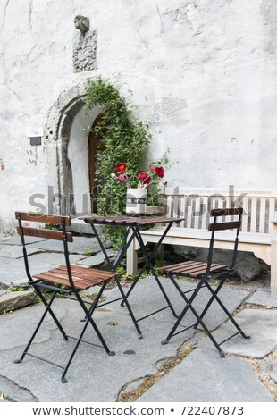 старые терраса Норвегия красные цветы таблице стульев Сток-фото © compuinfoto