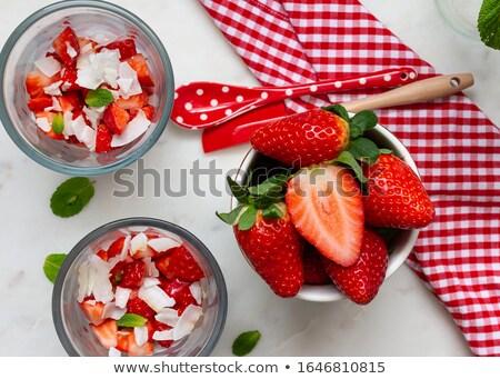 Para okulary domowej roboty jogurt truskawek szkła Zdjęcia stock © mpessaris