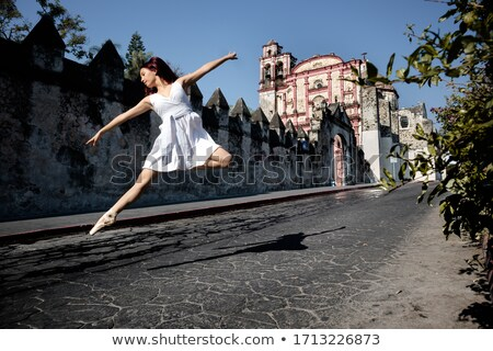 女性 · ダンサー · 手 · 頭 · 側面図 · 若い女性 - ストックフォト © feedough