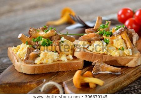 Gombák tükörtojás szendvics kő tábla kenyér Stock fotó © YuliyaGontar