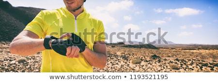 Ciclista bicicleta de montana tecnología dispositivo inteligentes Foto stock © Maridav