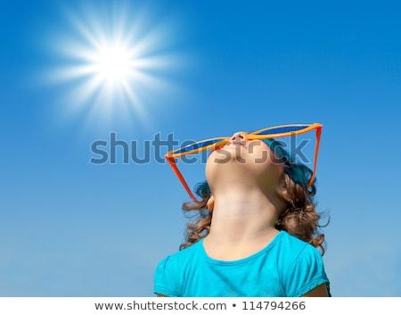 Hot brunette zomer zonneschijn diep Stockfoto © lithian
