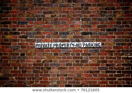 Oude parkeren teken foto Stockfoto © LVJONOK