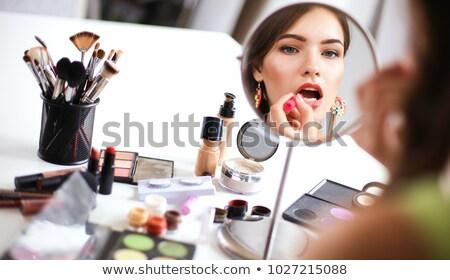 mulher · para · cima · olhos · escove · cara - foto stock © marcogovel