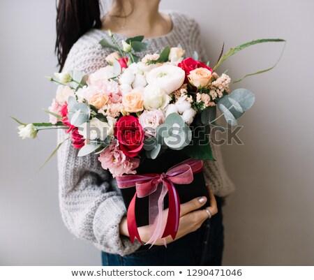 女性 · ギフトボックス · 花 · 髪 · 皮膚 · 化粧 - ストックフォト © hasloo