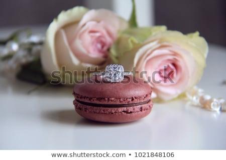 Eljegyzési gyűrű rózsaszín rózsa bent szeretet menyasszony ajándék Stock fotó © hitdelight