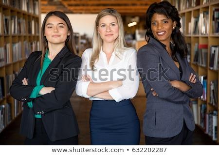 Сток-фото: сильный · деловая · женщина · позируют · привлекательный · оружия · сложенный